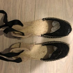 NWOT never worn Soludos lace up espadrilles